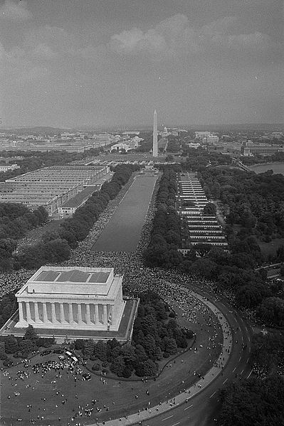 File:Aerial view of marchers, from the Lincoln Monument to the Washington Monument.jpg