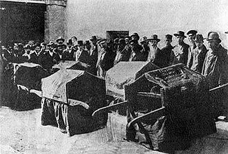 Kishinev pogrom - Funeral of copies of the Sefer Torah which were damaged in the Chişinău pogrom