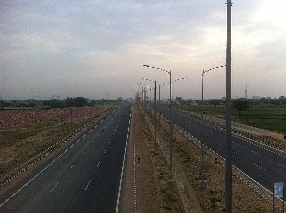 Agra-Inner-Ring-Road02 (32944081270)