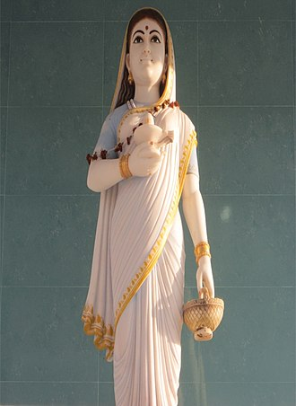 Holkar - A Statue of Ahilyabai Holkar at Datta Temple