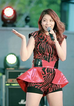 Ailee (South Korean singer) on Oct 11, 2013 (10).jpg