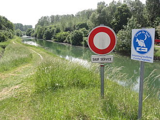 Aire, Ardennes - Canal des Ardennes at Aire