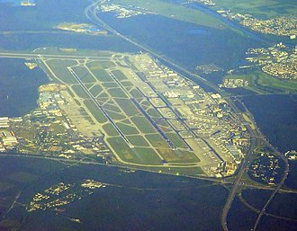 Frankfurter Kreuz - Image: Airport Frankfurt fromair