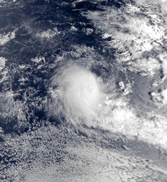 1993–94 South-West Indian Ocean cyclone season - Image: Alexina Nov 11 1993 0212Z