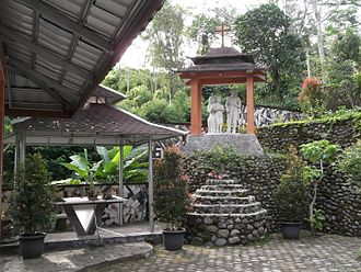 Temanggung Regency - Image: Altar and statue of the Holy Family in the Saint Mary Rawaseneng Prayer Garden