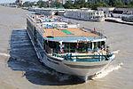 Amadeus Elegant (ship, 2010) 005.jpg