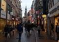 Amsterdam - Kalverstraat met zicht op de Munttoren.jpg