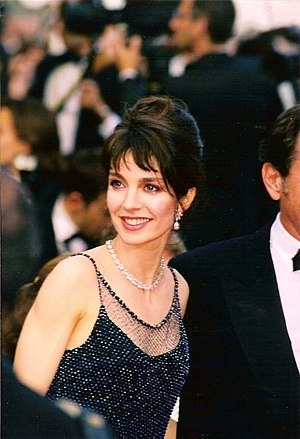 Nikita (film) - Anne Parillaud stars as Nikita, a young female assassin