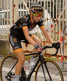 Annette Edmondson Route-de-France 2015.jpg