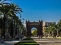 Arc de Triomf (19574586249).jpg
