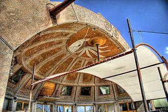 Arcosanti - Image: Arcosanti apse (1)
