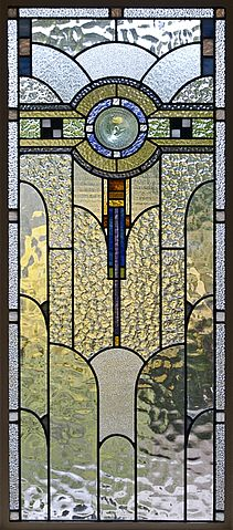 File art deco stained glass in a melbourne for Fenetre a cardinal