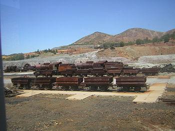 Español: Material de ferrocarril en desuso, en...