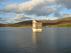 [Royaume-Uni] - Blackwater réservoir, Angus, Ecosse 240px-Backwater_Reservoir_A