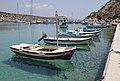 Barche nel porto di Agios Georgios, isola di Iraklia - panoramio (1).jpg