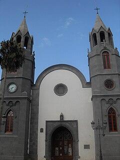 Basilicadetelde.JPG