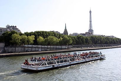 How to get to Bateaux-Mouches with public transit - About the place