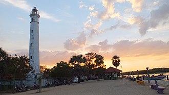 Batticaloa Lighthouse - Image: Batticaloa Lighthouse Evening Time