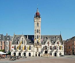 Belgium - Dendermonde - Lakenhal en stadhuis - 01.jpg