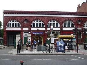 Belsize Park tube station - Image: Belsize Park stn building