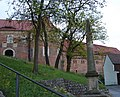 Belzig Burg Eisenhardt Postmeilensaeule.JPG