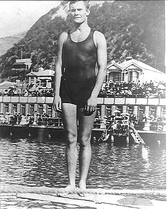 Bernard Freyberg, 1st Baron Freyberg - Bernard Freyberg c. 1904. at Te Aro Baths now the site of  The Freyberg Pool