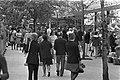 Bezoekers van de planten- en bloemententoonstelling in het Amstelpark in Amsterd, Bestanddeelnr 925-6091.jpg