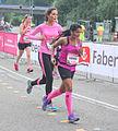 Blank en zwart samen hardlopend Ladiesrun 2015.jpg