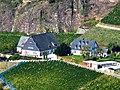 Blick vom Lemberg auf Gut Hermannsberg, Ehemalige Weinbaudomäne Niederhausen - panoramio.jpg