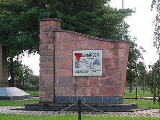 Death marches (Holocaust) - Image: Blievenstorf Denkmal Todesmarsch