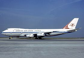 Un Boeing 747 portant la livrée de Korean Air Lines en 1983.