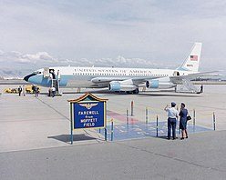 Boeing VC-137B at Moffett Field 1985.JPEG