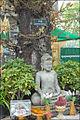 Bouddha sous larbre de lEveil (Phnom Penh) (6851661720).jpg