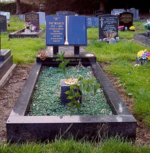Pat Roach - Roach's grave in Bromsgrove
