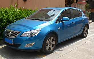 Buick Excelle GT - Image: Buick Excelle XT 01 China 2012 04 22