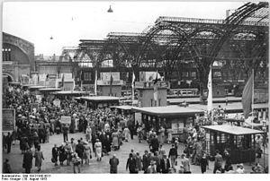 Leipzig Hauptbahnhof - Concourse, 1953