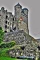 Burg Greifenstein, rechts unten Bollwerk Drachen, in der Mitte die Doppeltürme und links die Nordfassade des neuen Baus (8511987941).jpg
