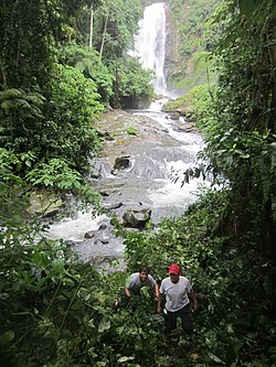 CATARATA VALLE SAGRADO.JPG