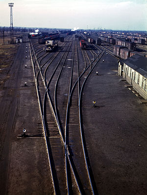 Urform der Gleisharfe auf dem Proviso Yard der Chicago and North Western Railway in Chicago, Illinois, USA im Dezember 1942.