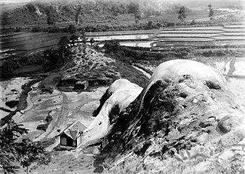 COLLECTIE TROPENMUSEUM Zwavelbergen te Bogor West-Java TMnr 10007444