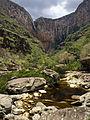 Cachoeira do Tabuleiro vista de baixo.jpg