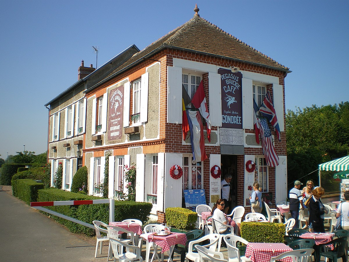 Caf Ef Bf Bd De La Cloche Lyon Fresque