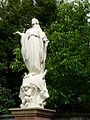 Carbonne pl église statue.jpg