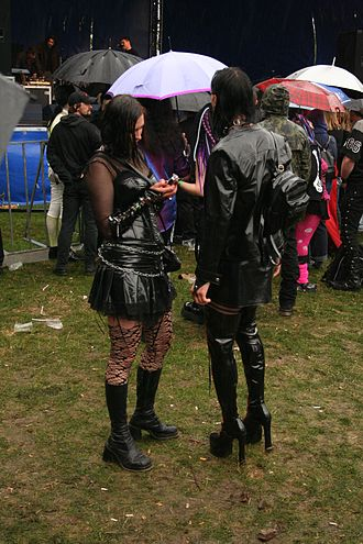 Poseur - Authenticity is aimed at by devotees of various music subcultures, including the goth subculture
