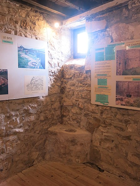 File:Castle of Mauleon, room 4 with latrines.jpg