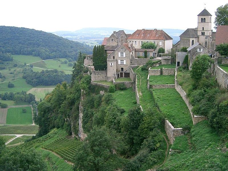 File:Château-Chalon - site.JPG