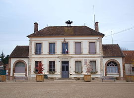 The town hall in Champigny