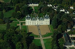 Cheverny castle, aerial view.jpg