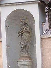Chrlice, socha sv. Jana Nepomuckého.JPG