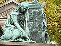 Cimetière du Père Lachaise (6307440127).jpg